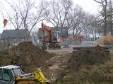 Příprava trasy kanalizace pod řekou_2