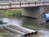 Příprava trasy kanalizace pod řekou_3