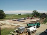 Stavba multifunkčního hřiště za ZŠ pokračuje