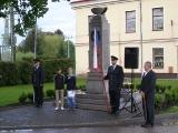 Kladení věnců u pomníku padlých_9